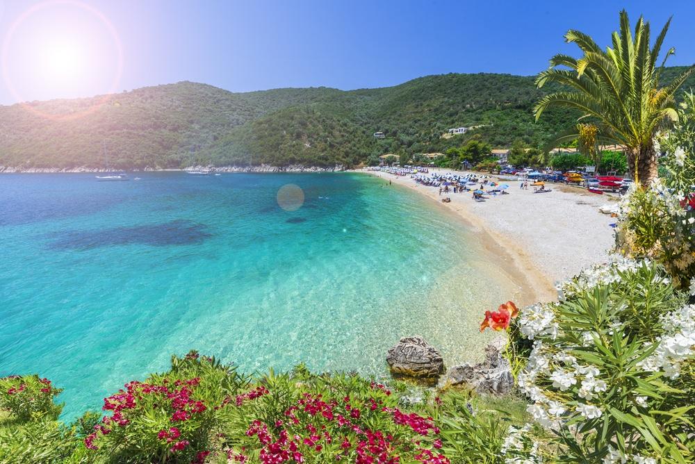 Plaja Mikros Gialos -Top 10 atractii in Lefkada